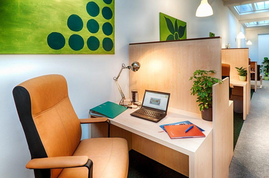 täglich verfügbarer Schreibtisch, monatlich verfügbarer Schreibtisch